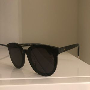 Gentle Monster Black Peter Glasses With Case